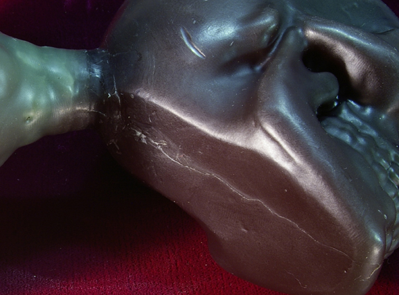 Cast Wax Skull to Fettle