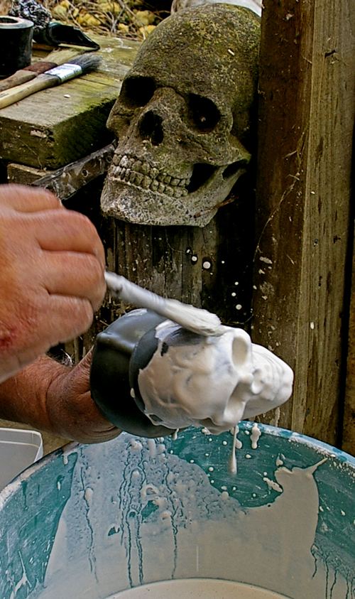 Wax Skull Plastering for glass cast
